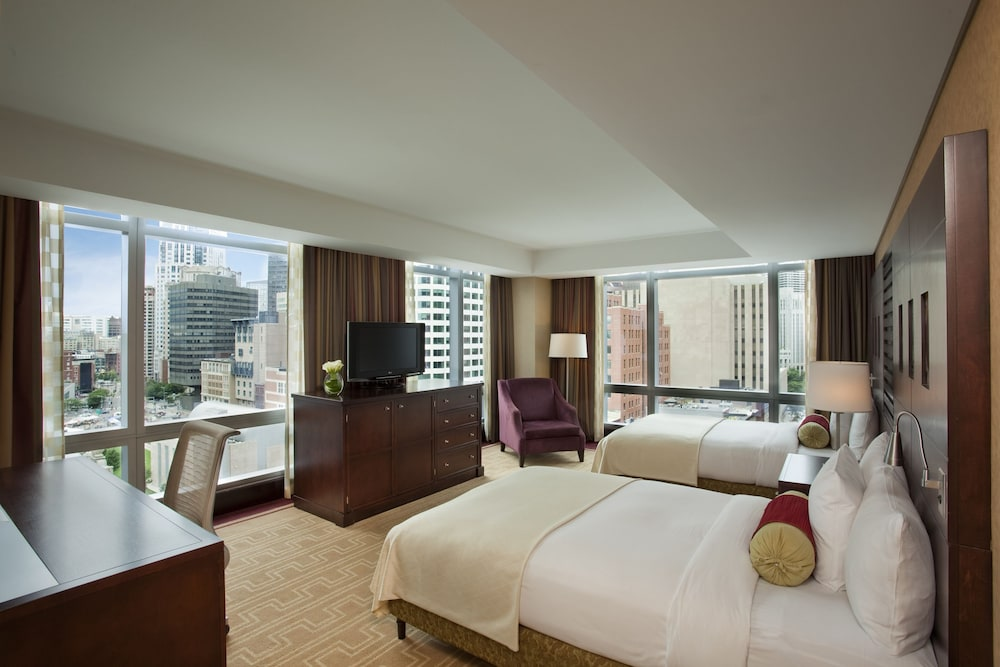 Room : Premier Room, 2 Queen Beds, City View 26 of 148