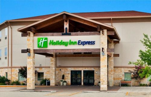 __{offers.Best_flights}__ Holiday Inn Express Salado-Belton