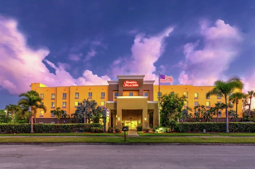 . Hampton Inn & Suites Ft. Pierce