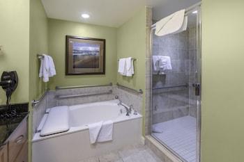 Suite, 3 Bedrooms, Accessible, 2 Bathrooms (Mobility, Bathtub)