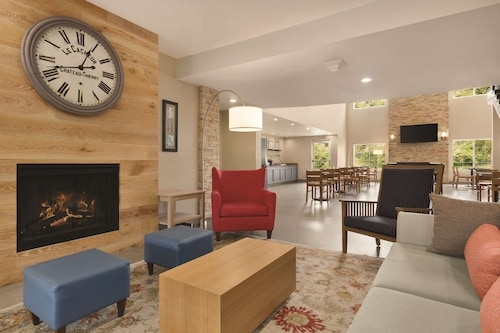 . Country Inn & Suites by Radisson, San Bernardino (Redlands), CA