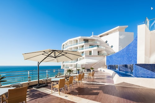 __{offers.Best_flights}__ Sesimbra Hotel & Spa