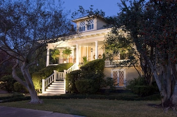 Hotel - Southern Comfort Bed and Breakfast