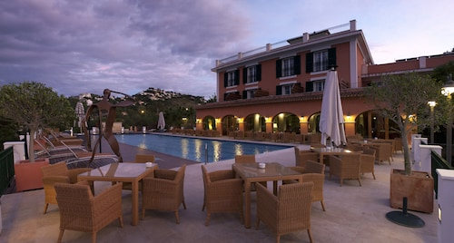 __{offers.Best_flights}__ Hotel Les Rotes