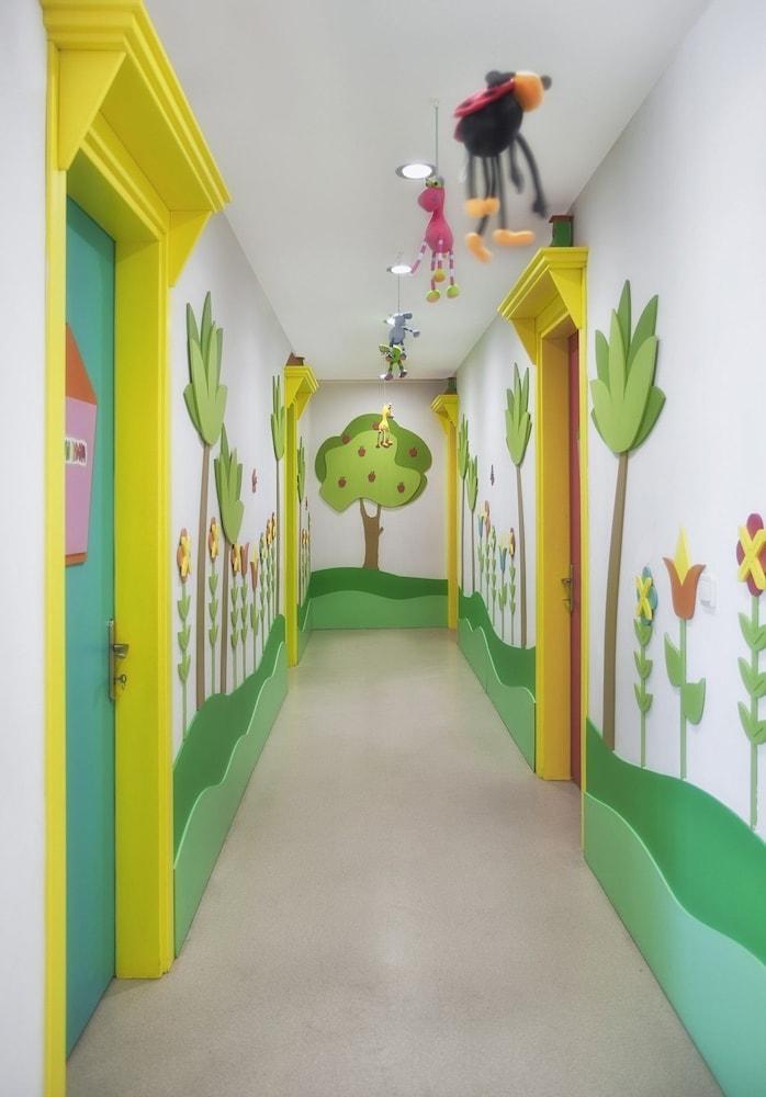 아카 알린다 호텔(Akka Alinda Hotel) Hotel Image 41 - Childrens Play Area - Indoor