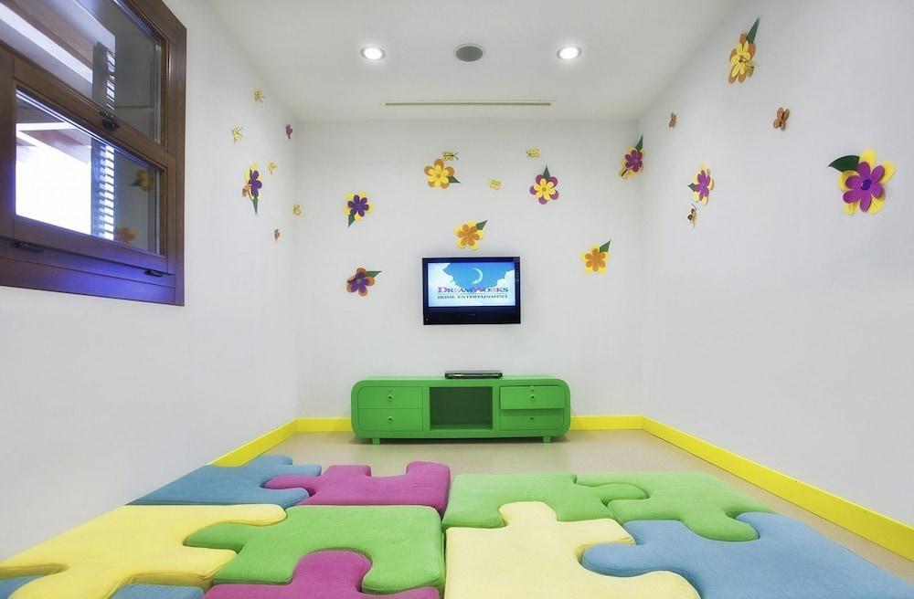 아카 알린다 호텔(Akka Alinda Hotel) Hotel Image 40 - Childrens Play Area - Indoor