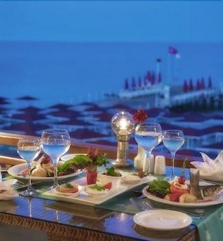 아카 알린다 호텔(Akka Alinda Hotel) Hotel Image 59 - Outdoor Dining