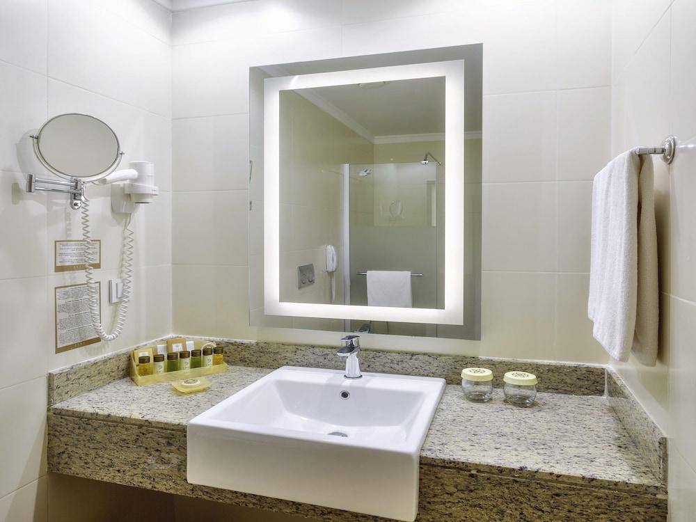 아카 알린다 호텔(Akka Alinda Hotel) Hotel Image 14 - Bathroom Amenities