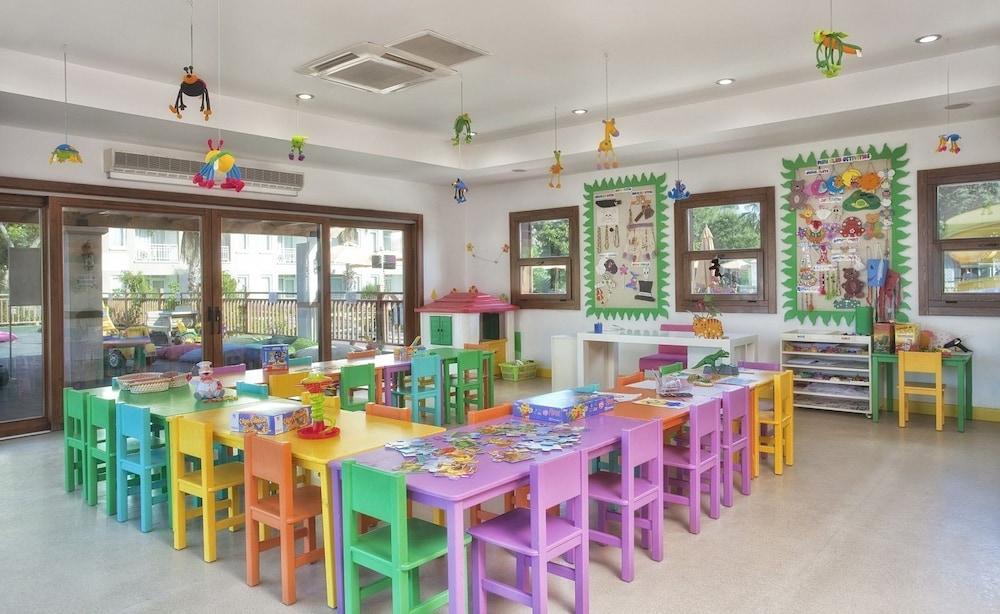 아카 알린다 호텔(Akka Alinda Hotel) Hotel Image 39 - Childrens Play Area - Indoor