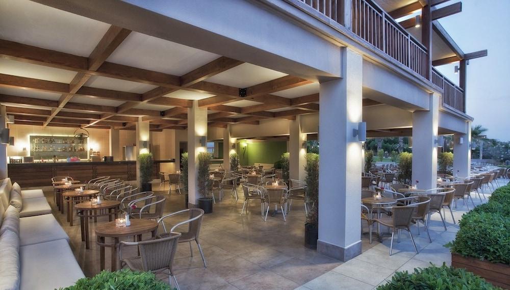 아카 알린다 호텔(Akka Alinda Hotel) Hotel Image 62 - Outdoor Dining