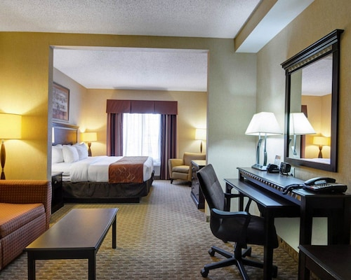 Comfort Suites, Faulkner