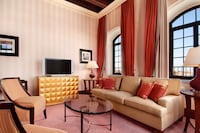 Suite, 1 King Bed, Tower