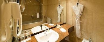 Hôtel Tiama - Bathroom  - #0