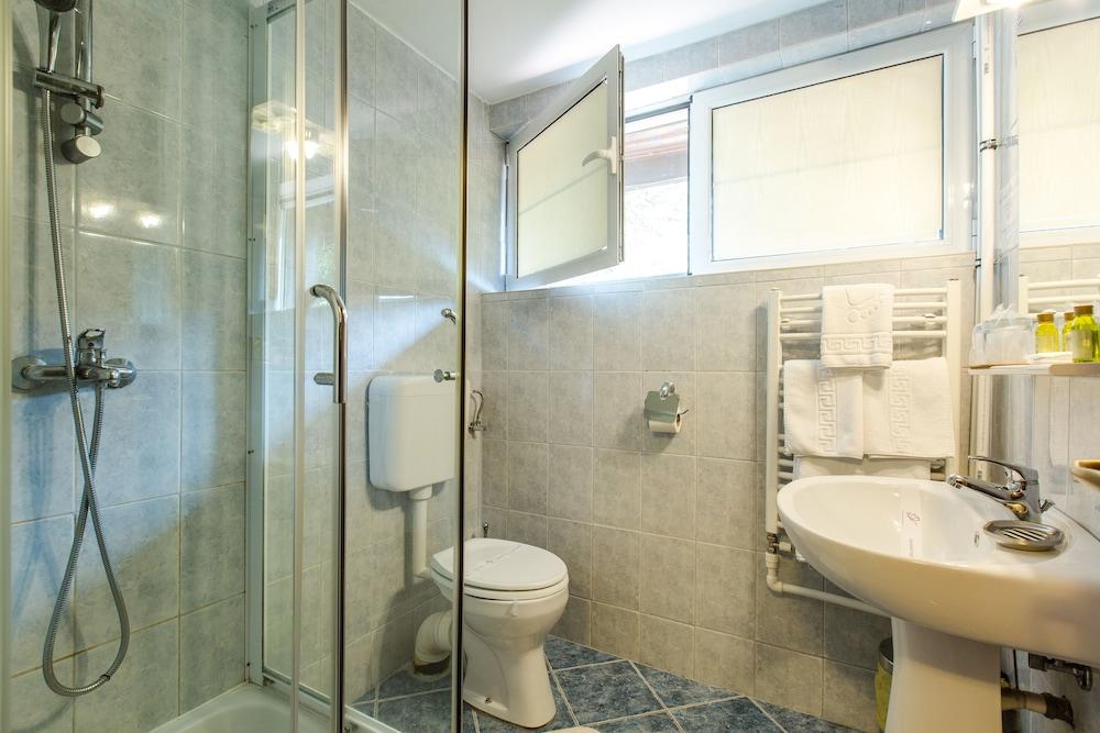 호텔 헤라스트라우(Hotel Herastrau) Hotel Image 29 - 욕실
