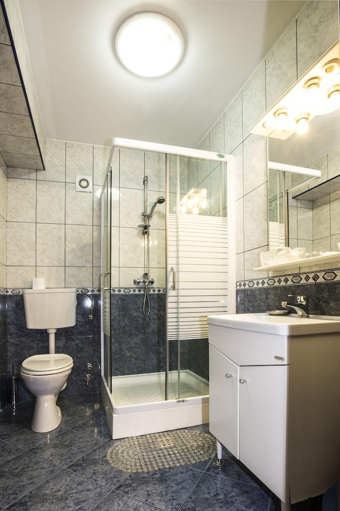 호텔 헤라스트라우(Hotel Herastrau) Hotel Image 23 - 욕실