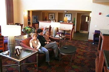 Hampton Inn & Suites Moline-Quad City International Airport