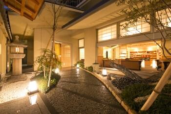 MATSUI HONKAN Property Entrance