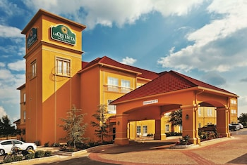 Hotel - La Quinta Inn & Suites by Wyndham Shawnee