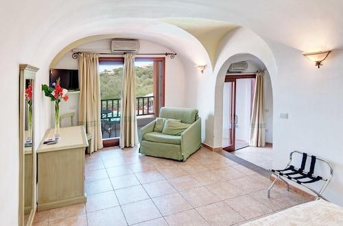 Hotel Li Graniti, Olbia-Tempio