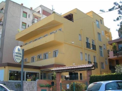 Sabbie d'Oro, Messina
