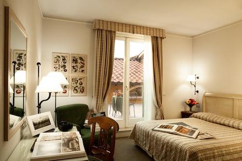 . Hotel Selva Candida