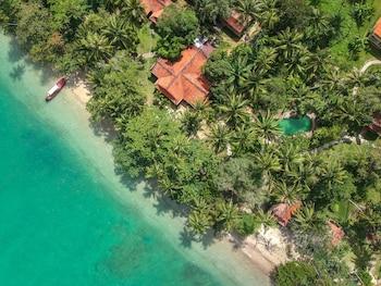 Hotel - Baan Mai Beachfront Phuket (Lone Island)