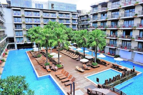 . Baan Laimai Beach Resort & Spa