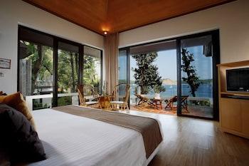 Deluxe Pavilion Beachfront Room