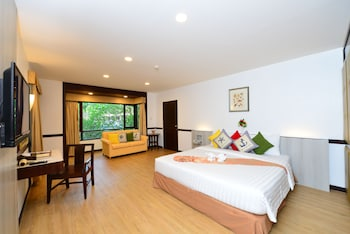 Deluxe (Hotel Wing)