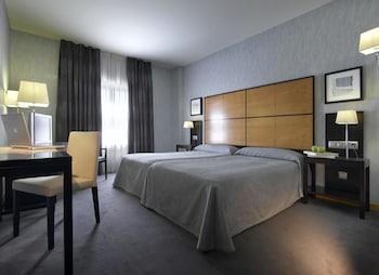 Double Room (with extra bed 3 Adults)