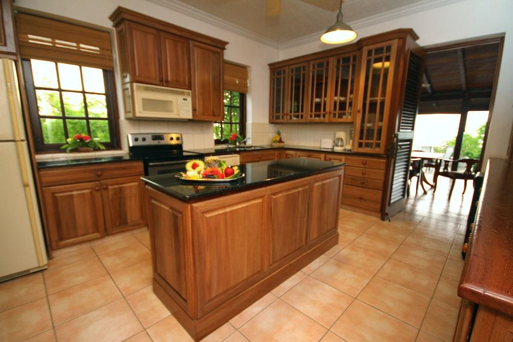 빌라스 앳 스톤헤븐(The Villas At Stonehaven) Hotel Image 7 - In-Room Kitchen