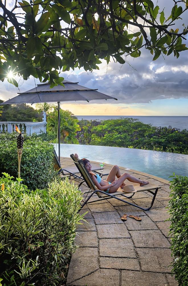 빌라스 앳 스톤헤븐(The Villas At Stonehaven) Hotel Image 21 - Infinity Pool