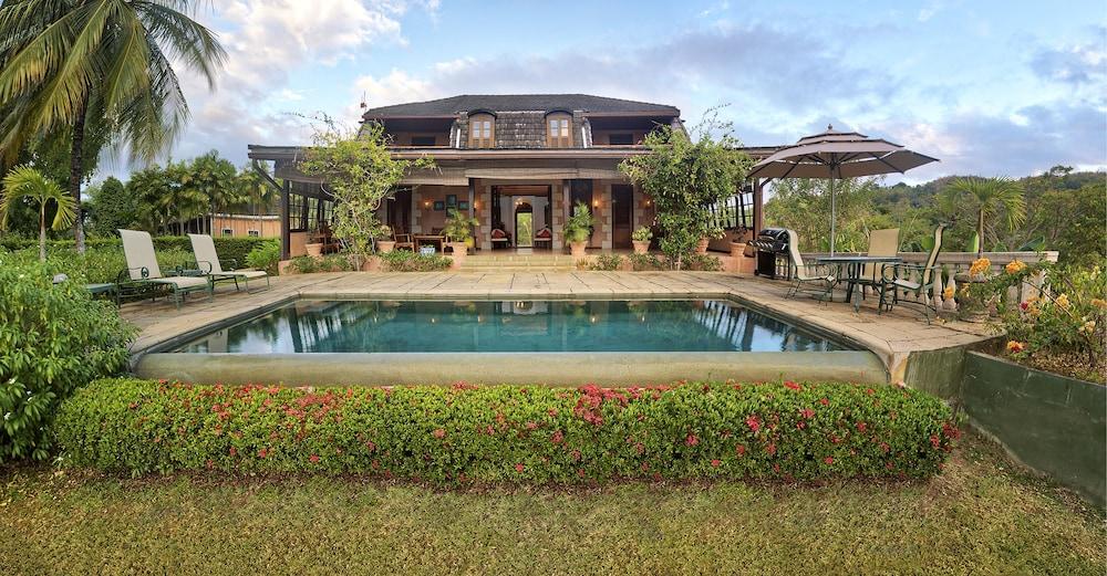 빌라스 앳 스톤헤븐(The Villas At Stonehaven) Hotel Image 0 - Featured Image