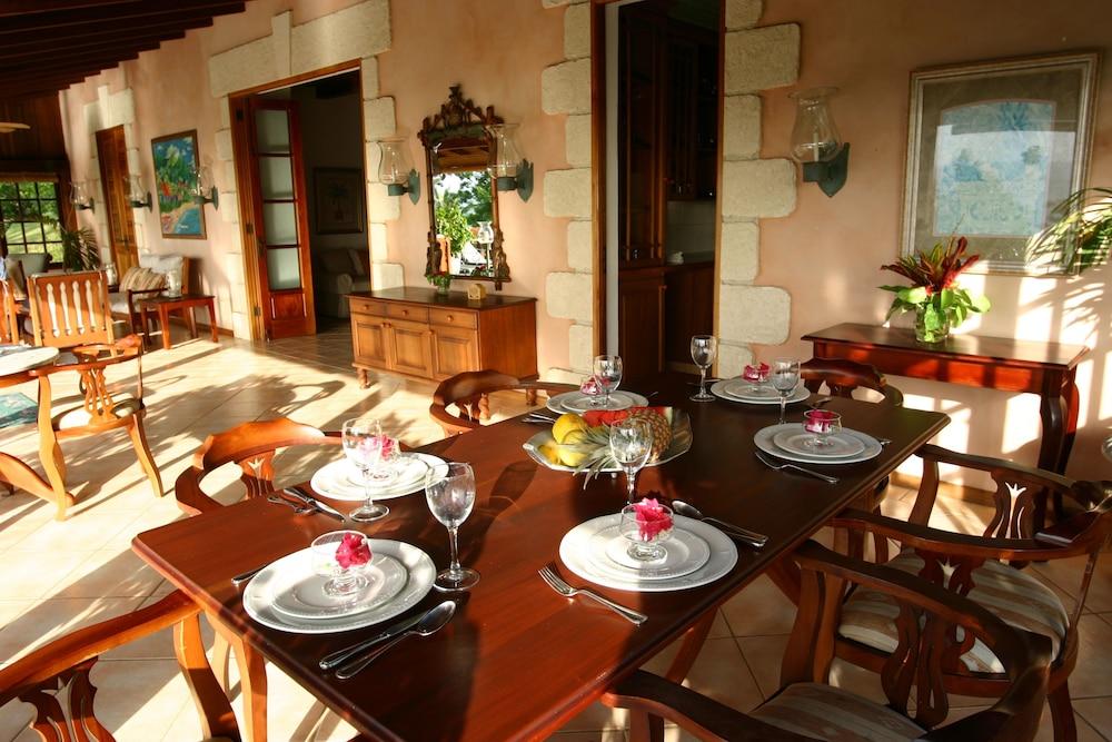 빌라스 앳 스톤헤븐(The Villas At Stonehaven) Hotel Image 36 - Outdoor Dining