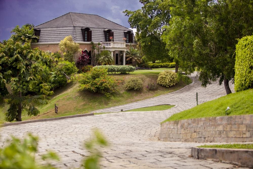 빌라스 앳 스톤헤븐(The Villas At Stonehaven) Hotel Image 41 - Exterior detail