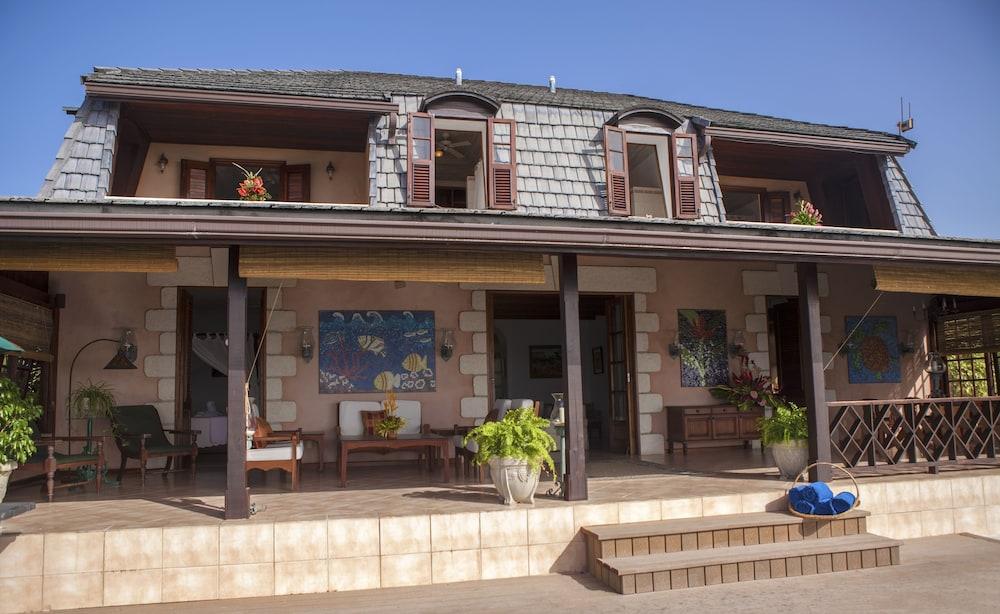 빌라스 앳 스톤헤븐(The Villas At Stonehaven) Hotel Image 39 - Exterior detail