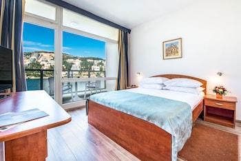 Standard Tek Büyük Veya İki Ayrı Yataklı Oda, Balkon, Deniz Manzaralı