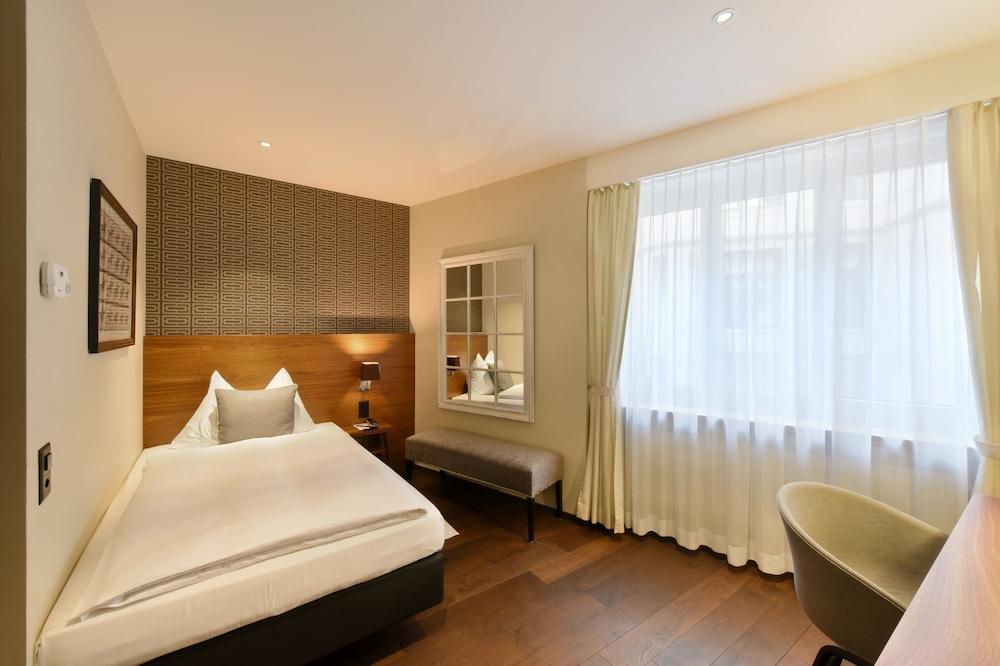 호텔 시티 취리히(Hotel City Zürich) Hotel Image 14 - Guestroom