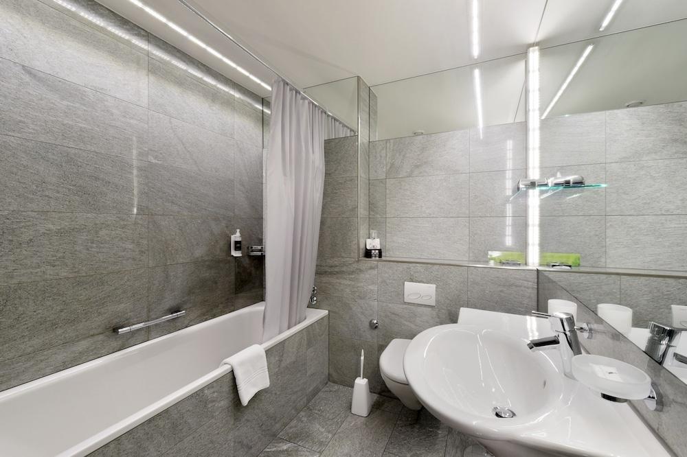 호텔 시티 취리히(Hotel City Zürich) Hotel Image 32 - Bathroom
