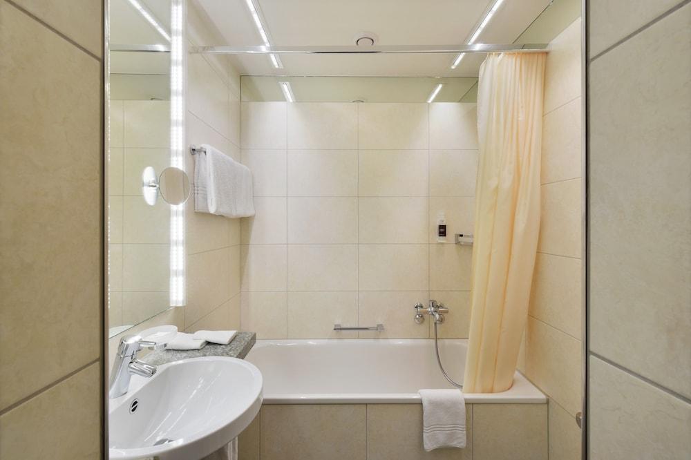호텔 시티 취리히(Hotel City Zürich) Hotel Image 33 - Bathroom