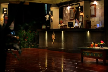 アディ ダルマ ホテル