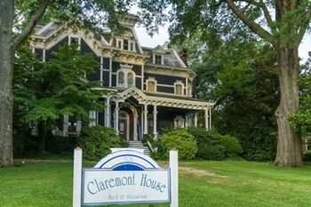 Claremont House Bed & Breakfast photo