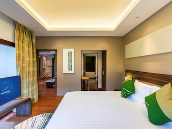 Suite, 1 King Bed (Plunge Pool)
