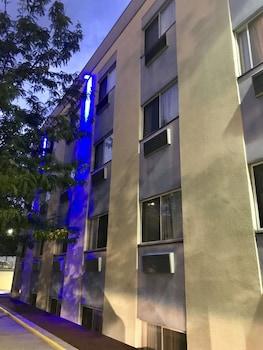 Best Western Plus Brooklyn Bay Hotel photo