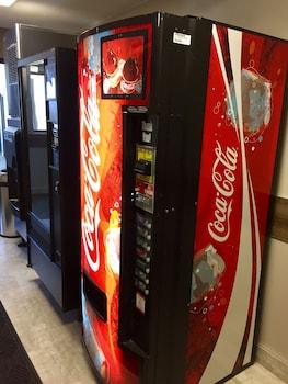 Best Western Plus Brooklyn Bay Hotel - Vending Machine  - #0