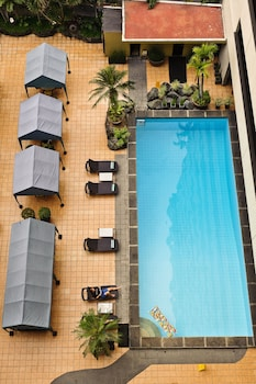 Copacabana Apartment Hotel Manila Outdoor Pool