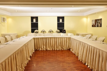 Copacabana Apartment Hotel Manila Meeting Facility