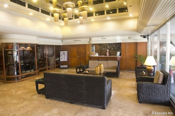 Copacabana Apartment Hotel Manila Lobby Sitting Area