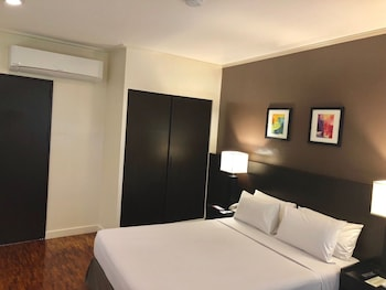 Pasay Vacations - Copacabana Apartment Hotel - Property Image 1
