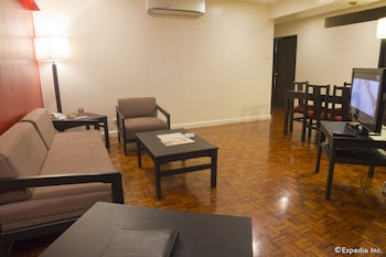 Copacabana Apartment Hotel Manila Living Area